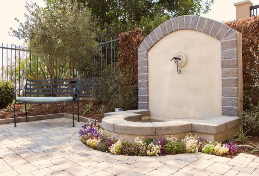 elegant-water-feature-for-your-landscape-design