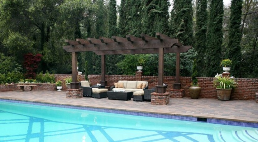 rustic-wood-for-building-pergolas